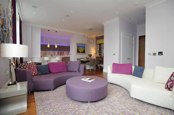 Salas / recibidores de estilo moderno por NSI DESIGN LTD