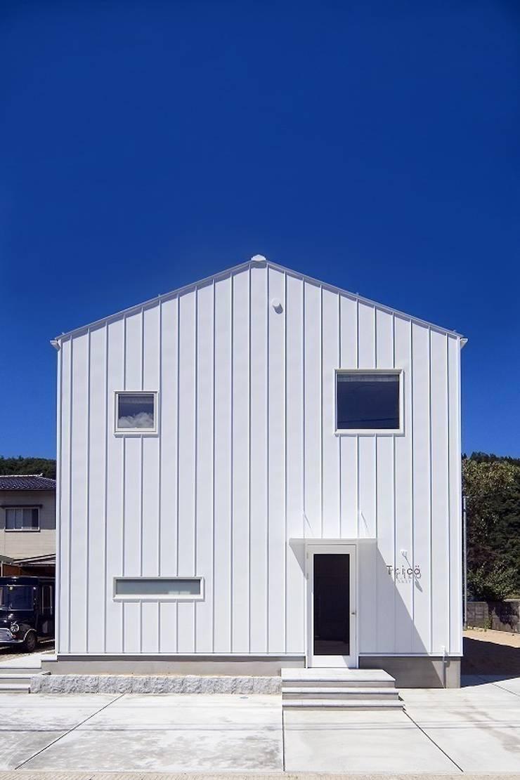 Casas de estilo moderno de zuiun建築設計事務所 / 株式会社 ZUIUN Moderno