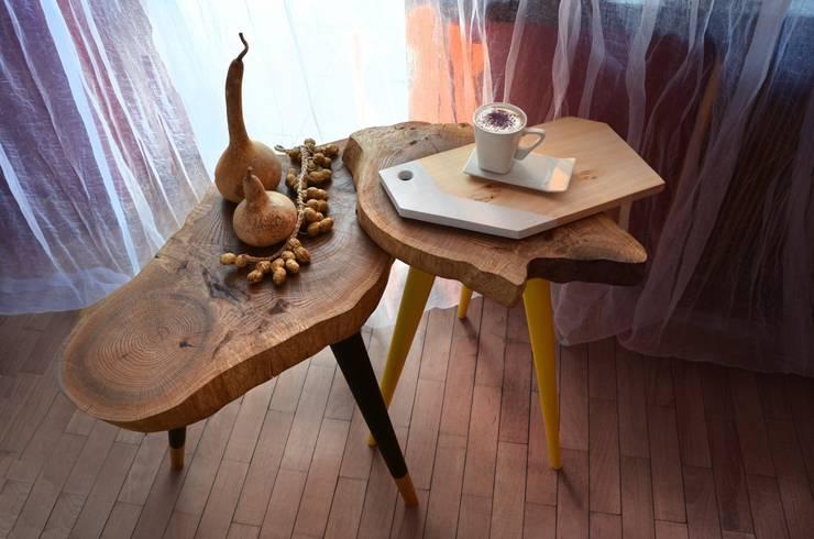 Stołki / Stoliki STILL WOOD -Yellow, Black, Mint: styl , w kategorii Balkon, weranda i taras zaprojektowany przez D2 Studio