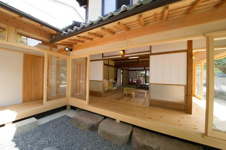 縁側: 冨家建築設計事務所が手掛けたです。