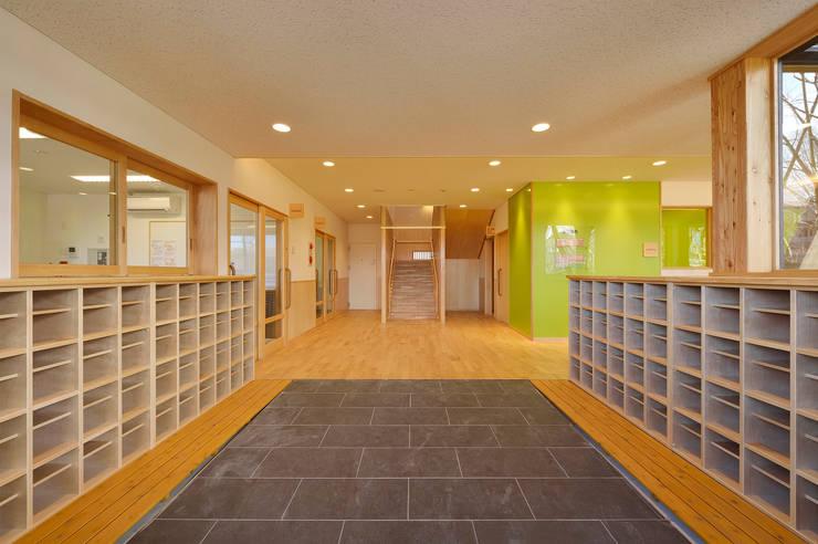保育園(エントランス) アジア風学校 の ユニップデザイン株式会社 一級建築士事務所 和風