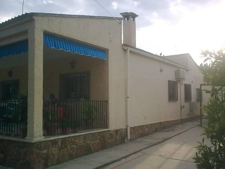 by LLIBERÓS SALVADOR Arquitectos