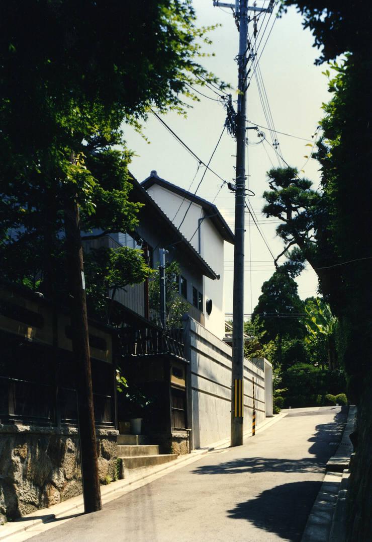 東福寺の家: 株式会社 坂田基禎建築研究所が手掛けた家です。