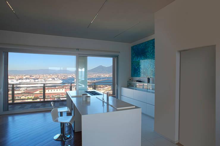 CASA DN, Napoli 2012: Cucina in stile in stile Moderno di x-studio