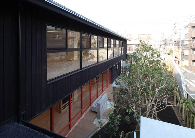 外観1: ユニップデザイン株式会社 一級建築士事務所が手掛けた学校です。,