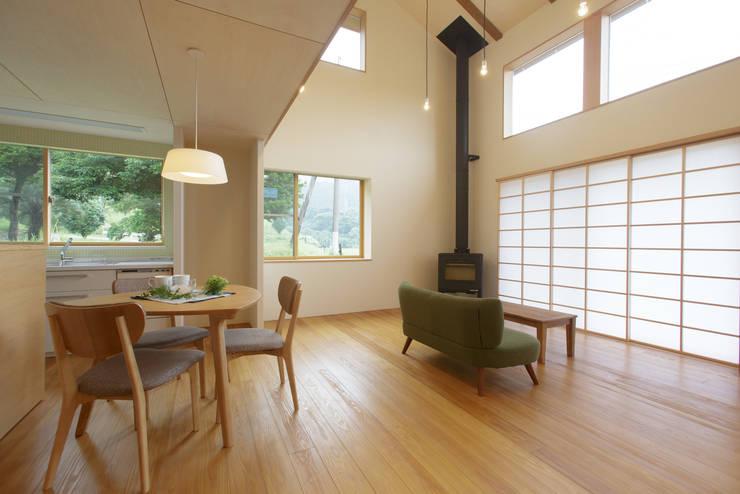 house in Ishikawauchi: とやま建築デザイン室が手掛けたダイニングです。