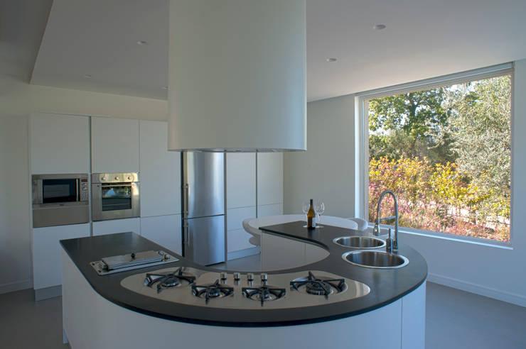 مطبخ تنفيذ x-studio