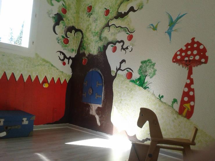 Chambre d'enfant: Chambre d'enfant de style  par ELSACONCEPTION