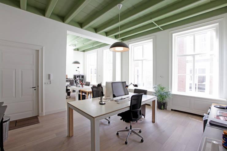 Paleis-Hof  :  Studeerkamer/kantoor door Brand Olink Architecten