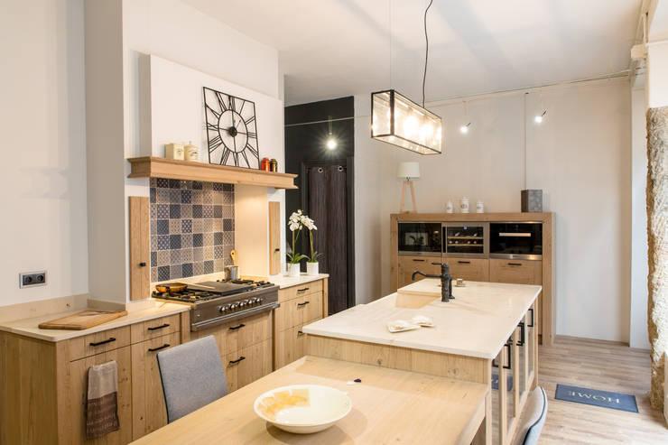 Projekty,  Kuchnia zaprojektowane przez MJ Home