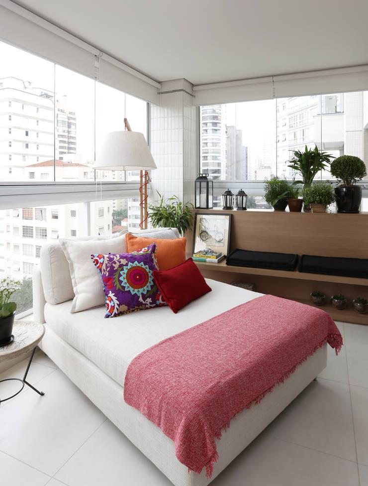 Terraço: Terraços  por Duda Senna Arquitetura e Decoração