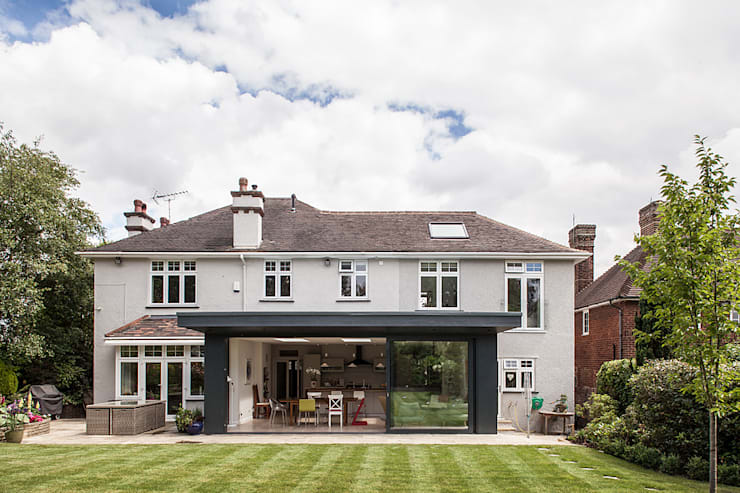 Rear Extension:  Houses by Nic  Antony Architects Ltd