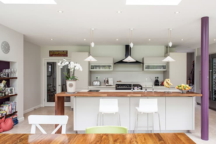 Rear Extension:  Kitchen by Nic  Antony Architects Ltd