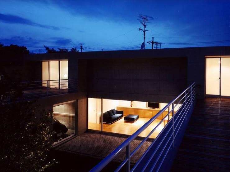 長岡京の住宅: 宮崎仁志建築設計事務所が手掛けた庭です。,