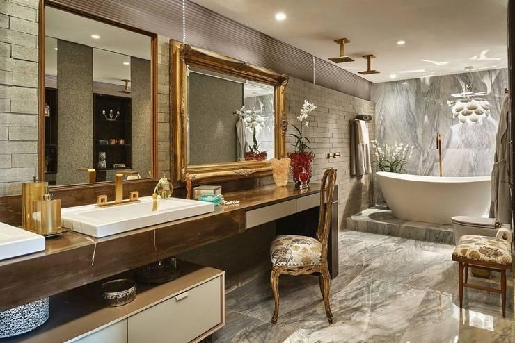 Penteadeira - Banho Casal: Banheiros  por Studio Alessandra Lobo