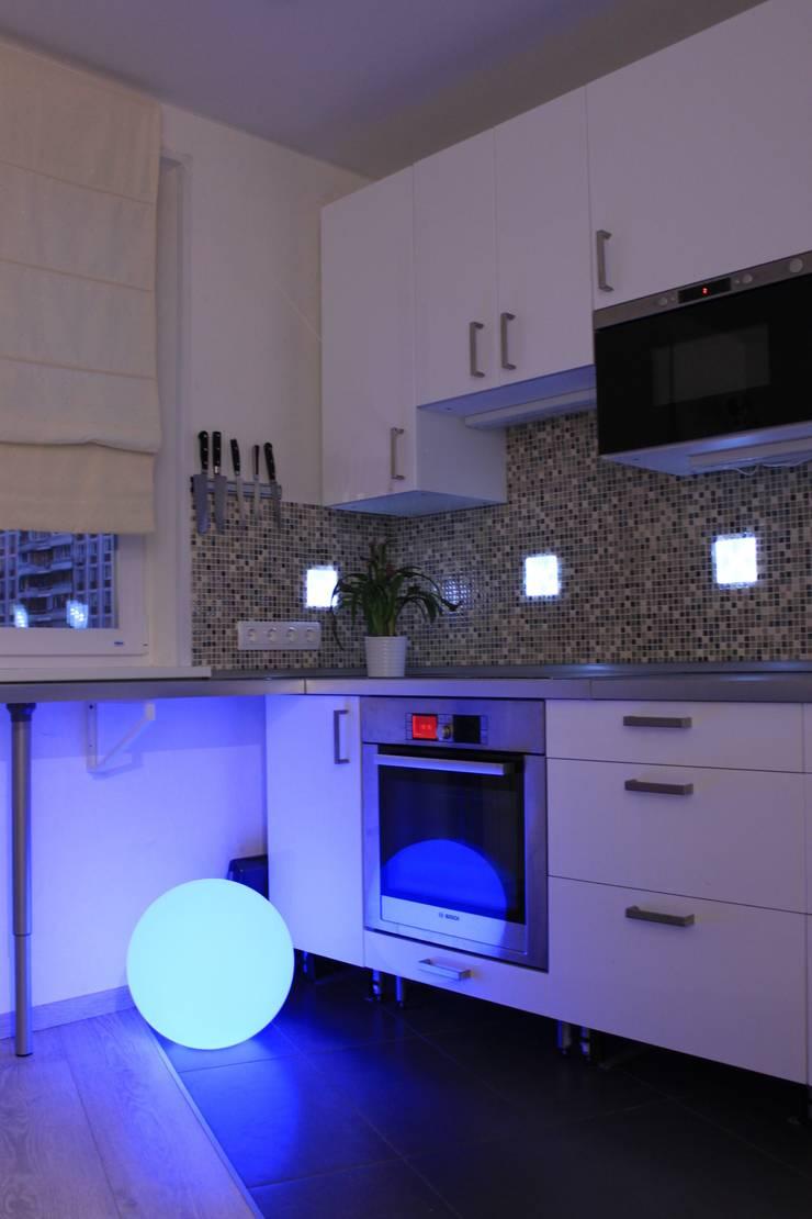 Дизайн-проект двухкомнатной квартиры. Крылатские холмы.: Кухни в . Автор – artzona.ru