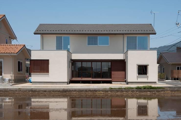 南面外観: 宇佐美建築設計室が手掛けた家です。