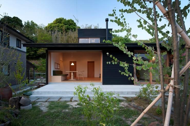 classic Houses by 宇佐美建築設計室