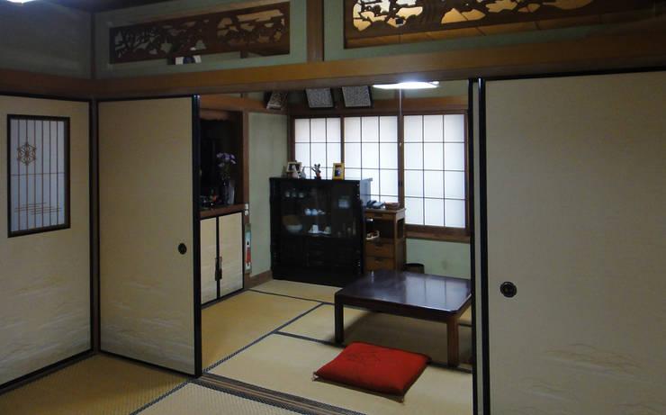 before・・・タタミの間が多かった昭和初期のスタイルでした。 : 遠藤浩建築設計事務所 H,ENDOH  ARCHTECT  &  ASSOCIATESが手掛けたリビングです。