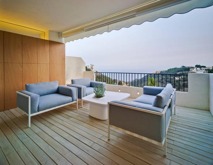 Casa Weston: Terrazas de estilo  de WOHA arquitectura
