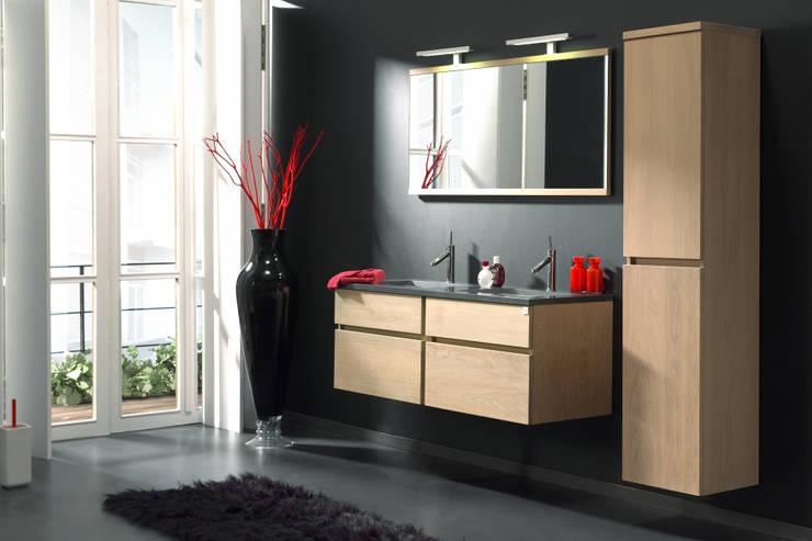 moderne Badkamer door F&F Floor and Furniture