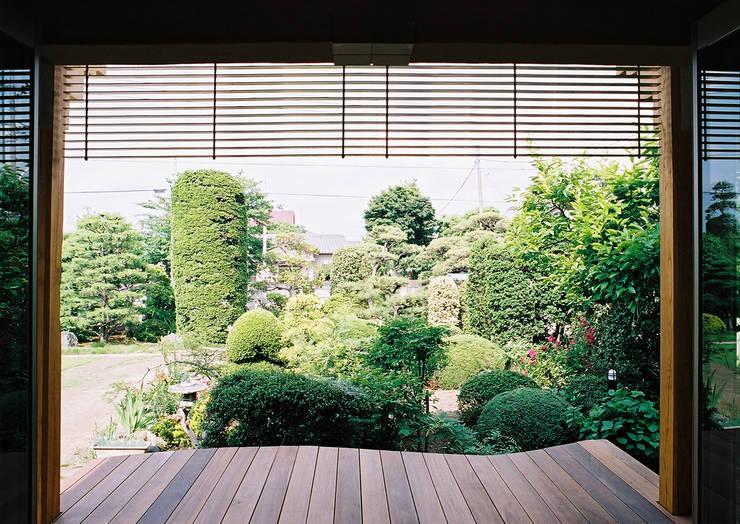 ウッドデッキ: 遠藤浩建築設計事務所 H,ENDOH  ARCHTECT  &  ASSOCIATESが手掛けたテラス・ベランダです。