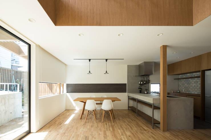 Ruang Ganti oleh flame-planningoffice / 一級建築士事務所フレイム, Modern