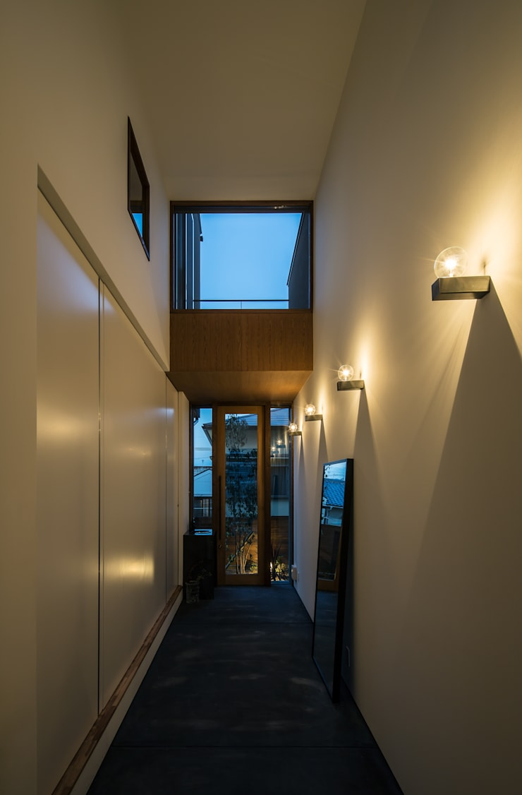Koridor dan lorong oleh flame-planningoffice / 一級建築士事務所フレイム, Modern