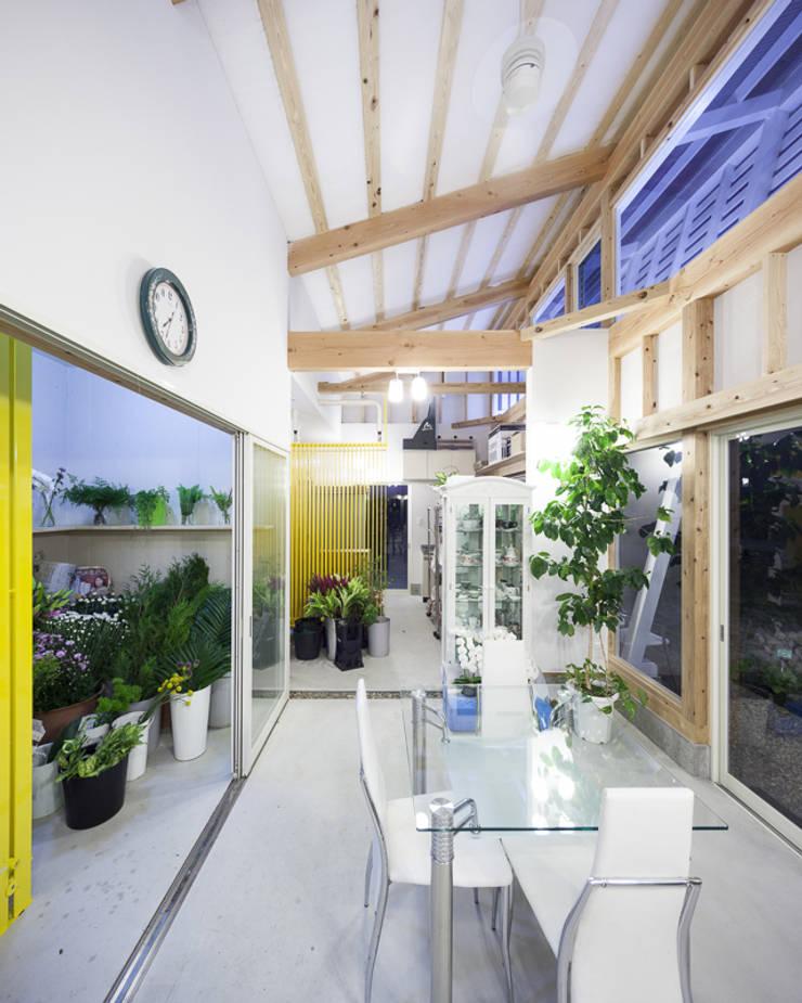 .: 風土デザイン建築事務所が手掛けた庭です。