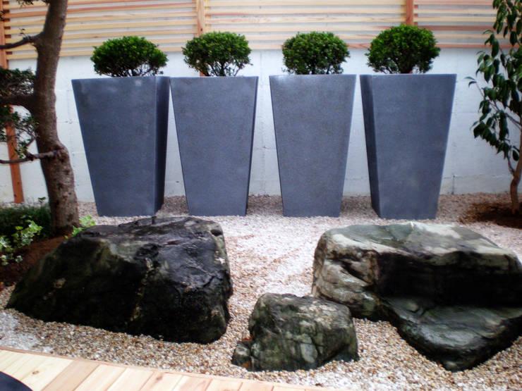 courtyard N5: 山越健造デザインスタジオ Kenzo Yamakoshi Design Studioが手掛けた医療機関です。