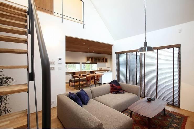 zuiun建築設計事務所 / 株式会社 ZUIUN의  거실