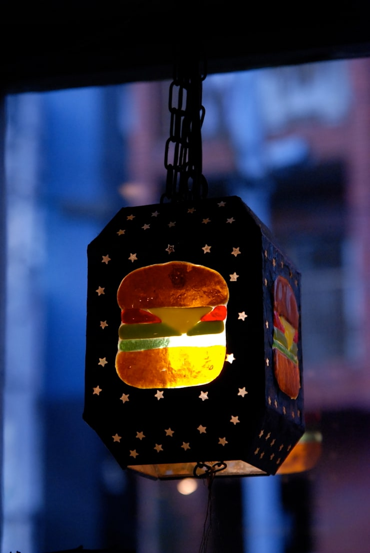 Hamburger lamp: contemporary glass nidoが手掛けた素朴なです。,ラスティック