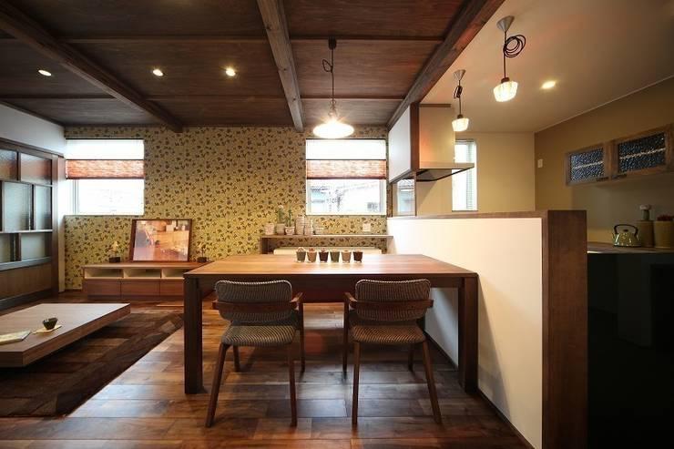 大正ロマンを感じる家 / zuiun: zuiun建築設計事務所 / 株式会社 ZUIUNが手掛けたダイニングです。