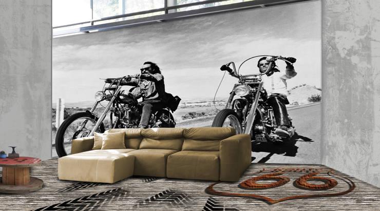 Easy Rider: Pareti & Pavimenti in stile  di PIXIE progetti e prodotti