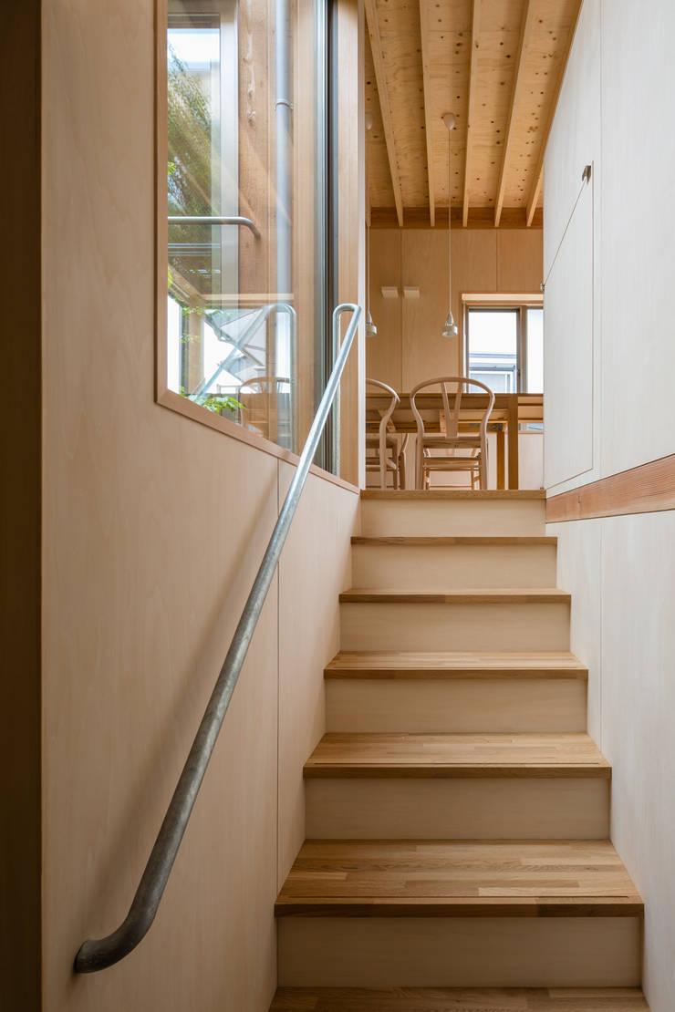 FP: 株式会社リオタデザインが手掛けた廊下 & 玄関です。
