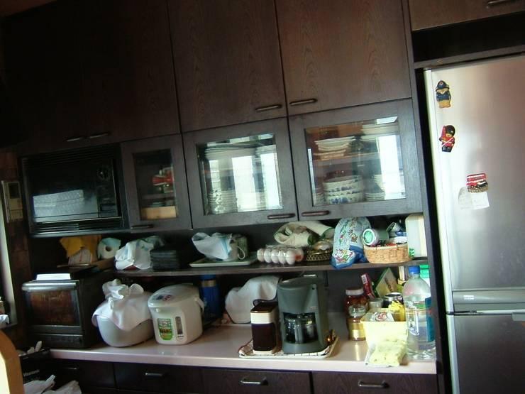 キッチンリフォーム前: 一枚板テーブルと無垢材家具・キッチンの祭り屋が手掛けたキッチンです。