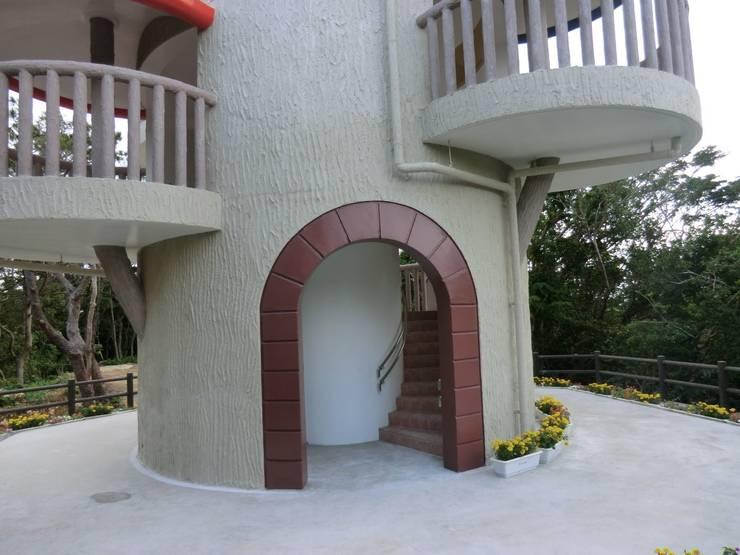 巨木の隠れ家: (株)スペースデザイン設計(一級建築士事務所)が手掛けたイベント会場です。