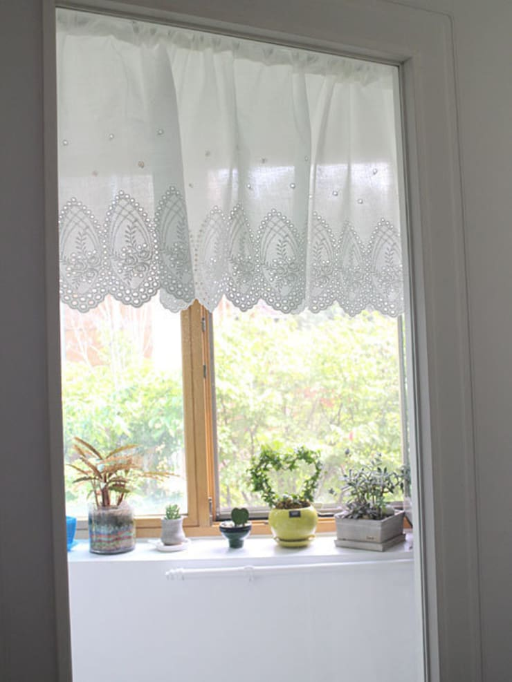 Dining Room Curtain: 모린홈의  다이닝 룸