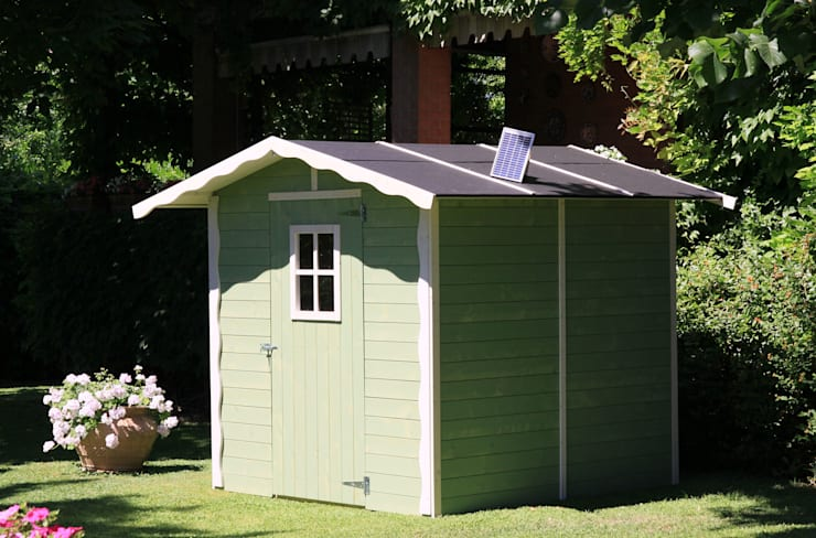 Casetta da giardino Vaniglia colorata: Giardino in stile  di Onlywood.it