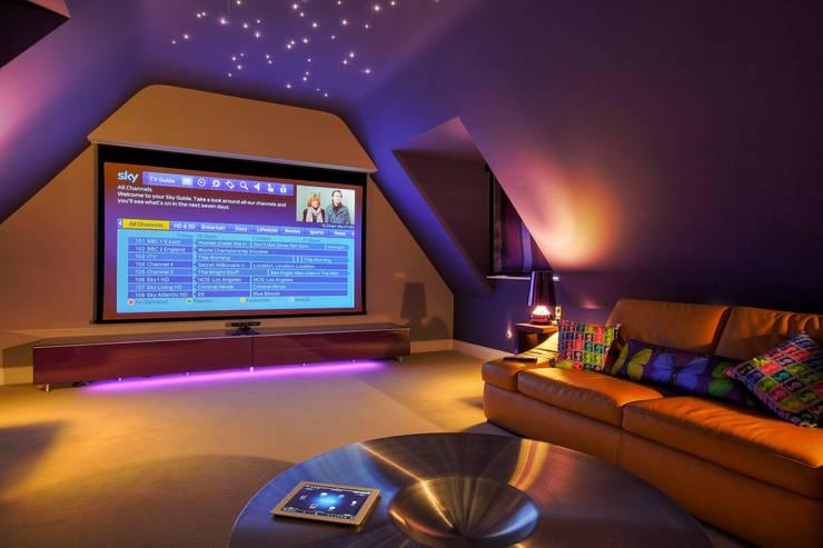 Projekty,  Pokój multimedialny zaprojektowane przez New Wave AV