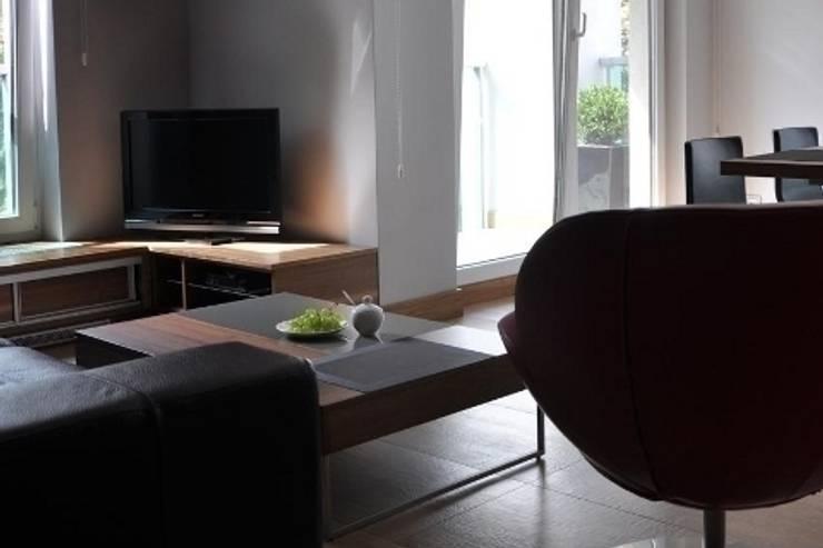 apartament w Poznaniu: styl , w kategorii Salon zaprojektowany przez ENDE marcin lewandowicz,Skandynawski