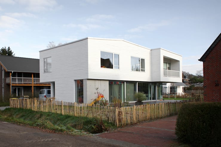 HROO :  Häuser von kbg architekten