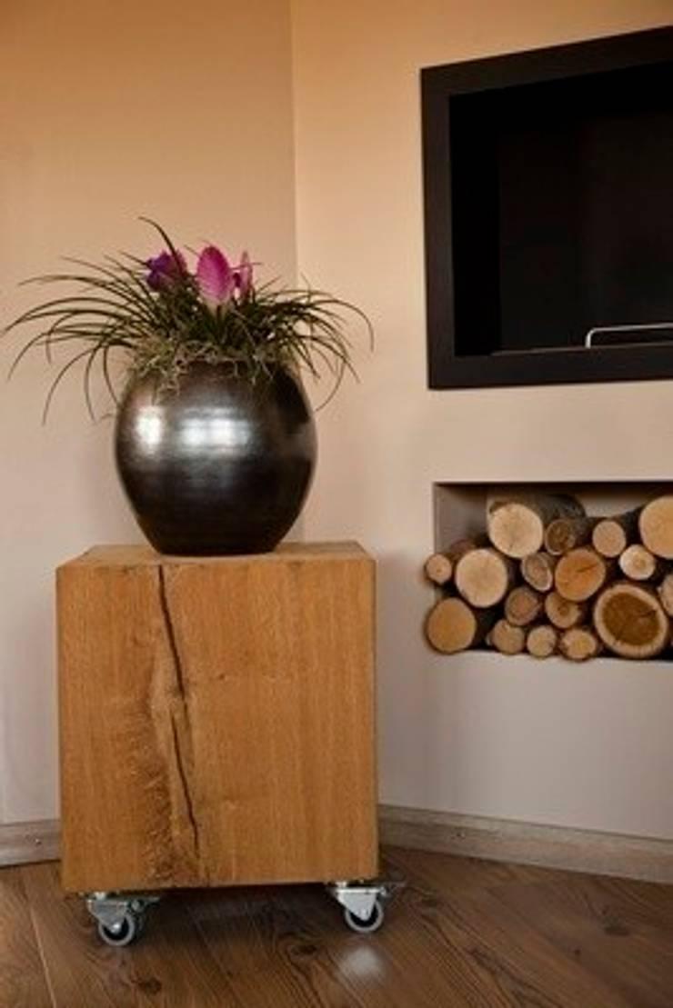 Eikenhouten blok als bijzettafeltje:   door Solits, Industrieel