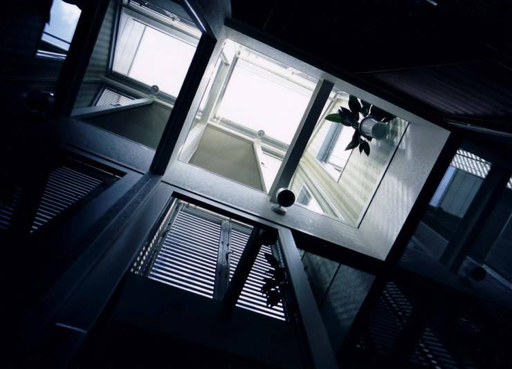 กำแพง โดย 加藤將己/将建築設計事務所, โมเดิร์น