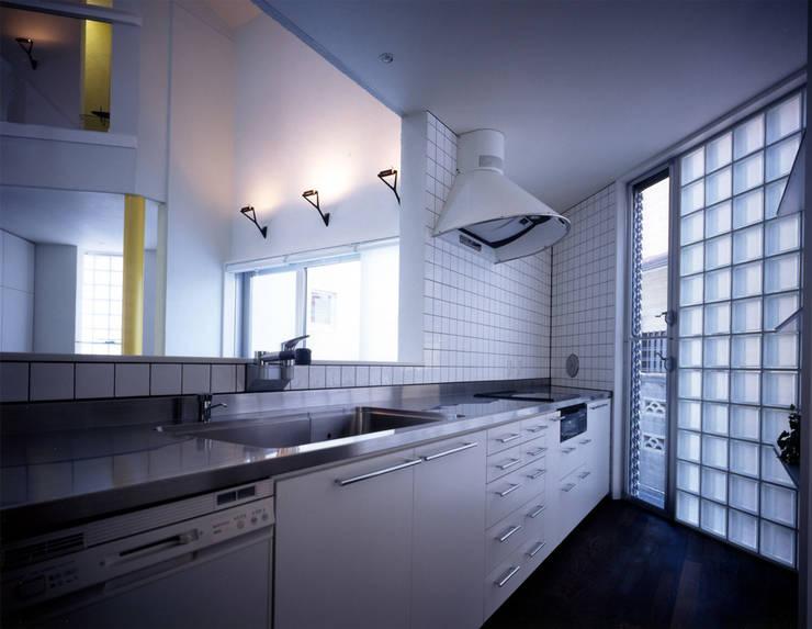 大田原の家: 加藤將己/将建築設計事務所が手掛けたキッチンです。