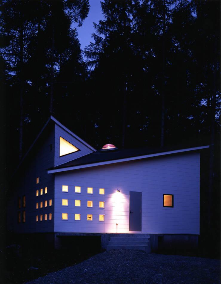 Rumah Modern Oleh 加藤將己/将建築設計事務所 Modern