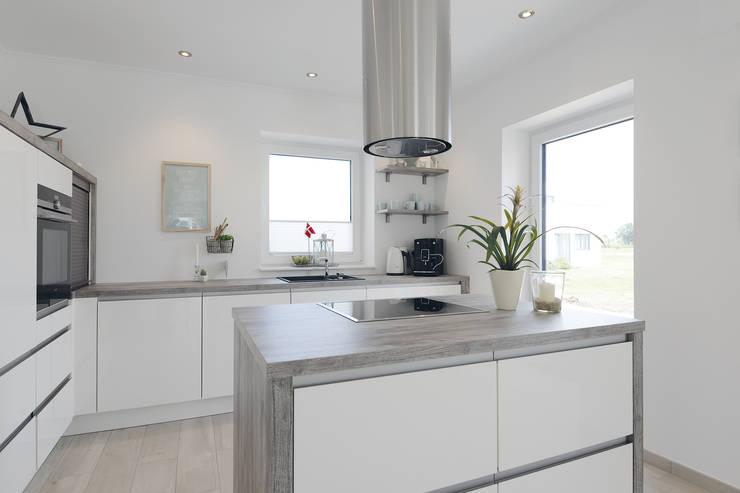 modern Kitchen by Danhaus GmbH
