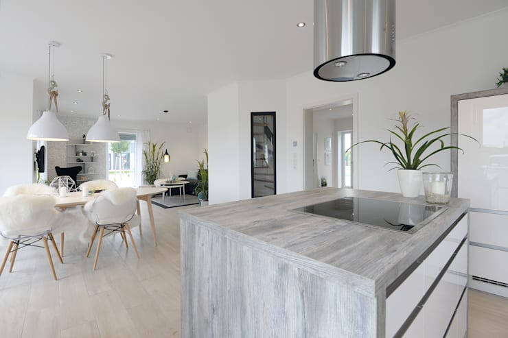 moderne Keuken door Danhaus GmbH