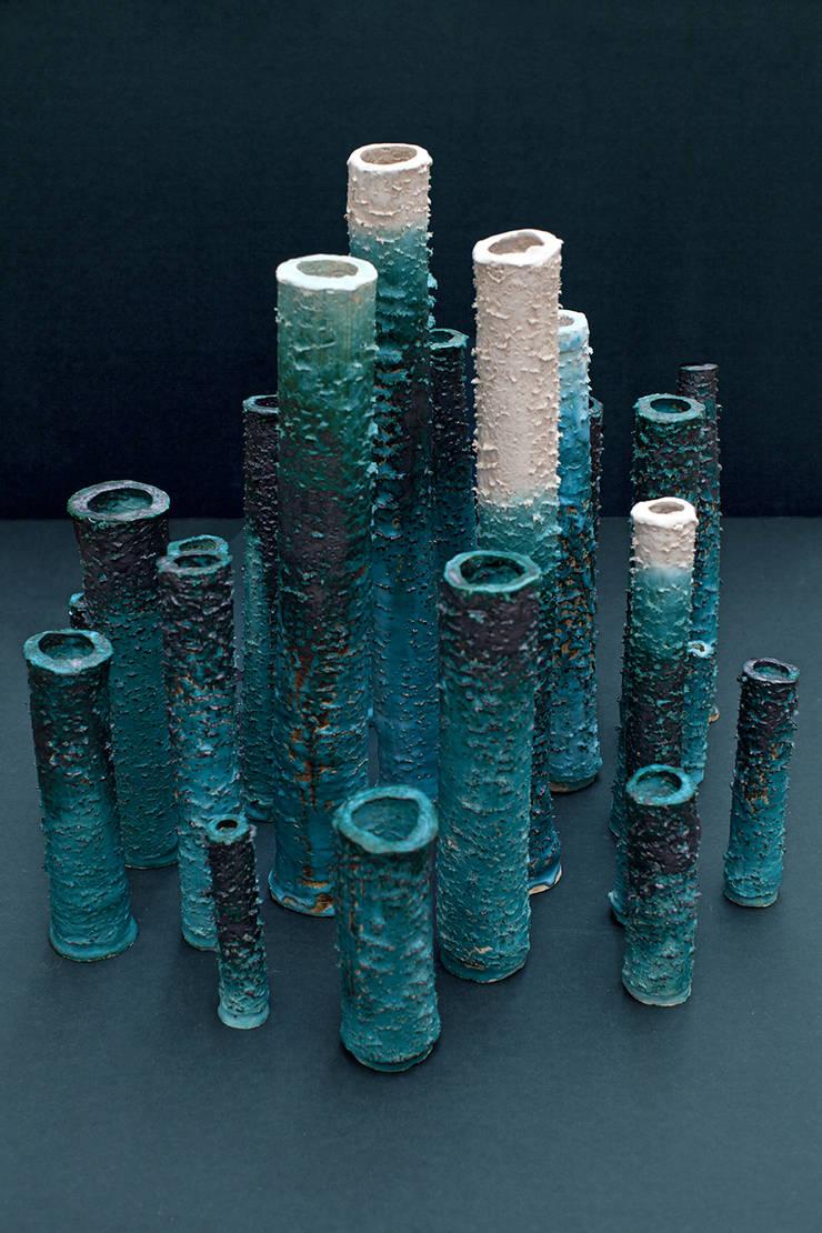 Oxidised vases:   door HandMade Industrials, Minimalistisch