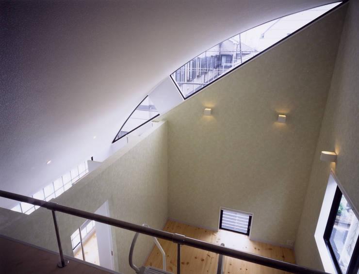 関町東の家: 加藤將己/将建築設計事務所が手掛けたインテリアランドスケープです。